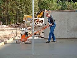 Glätten von Betonoberflächen und Industrieböden